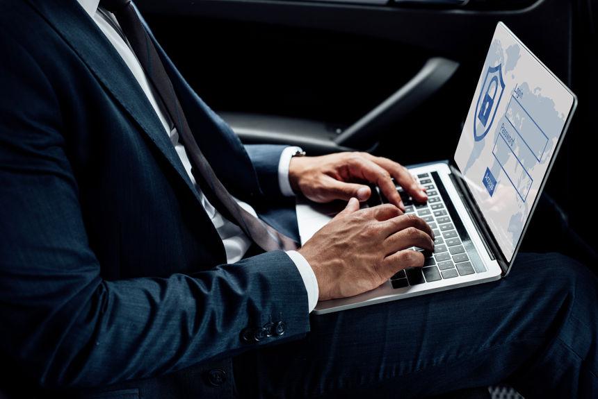Programi korporativne varnosti: Zakaj se podjetja preusmerjajo na mobilne naprave